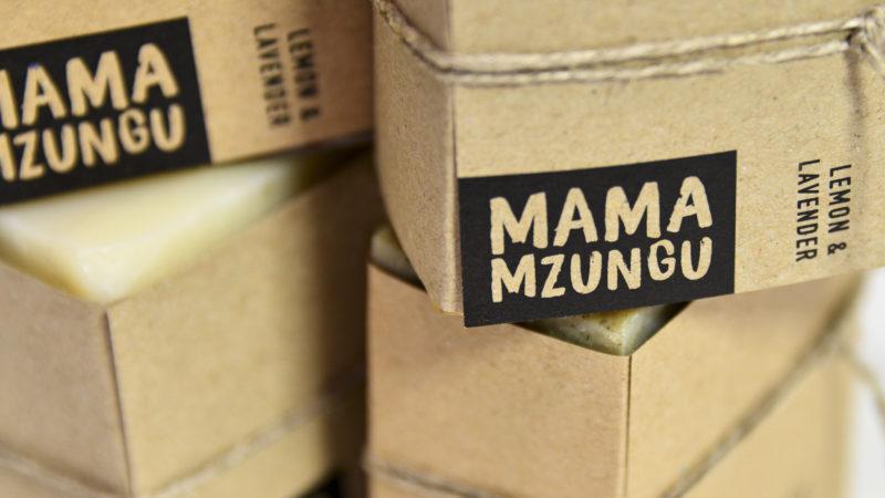 Ouganda : l'entreprise Mama Mzungu change le regard sur  l'albinisme