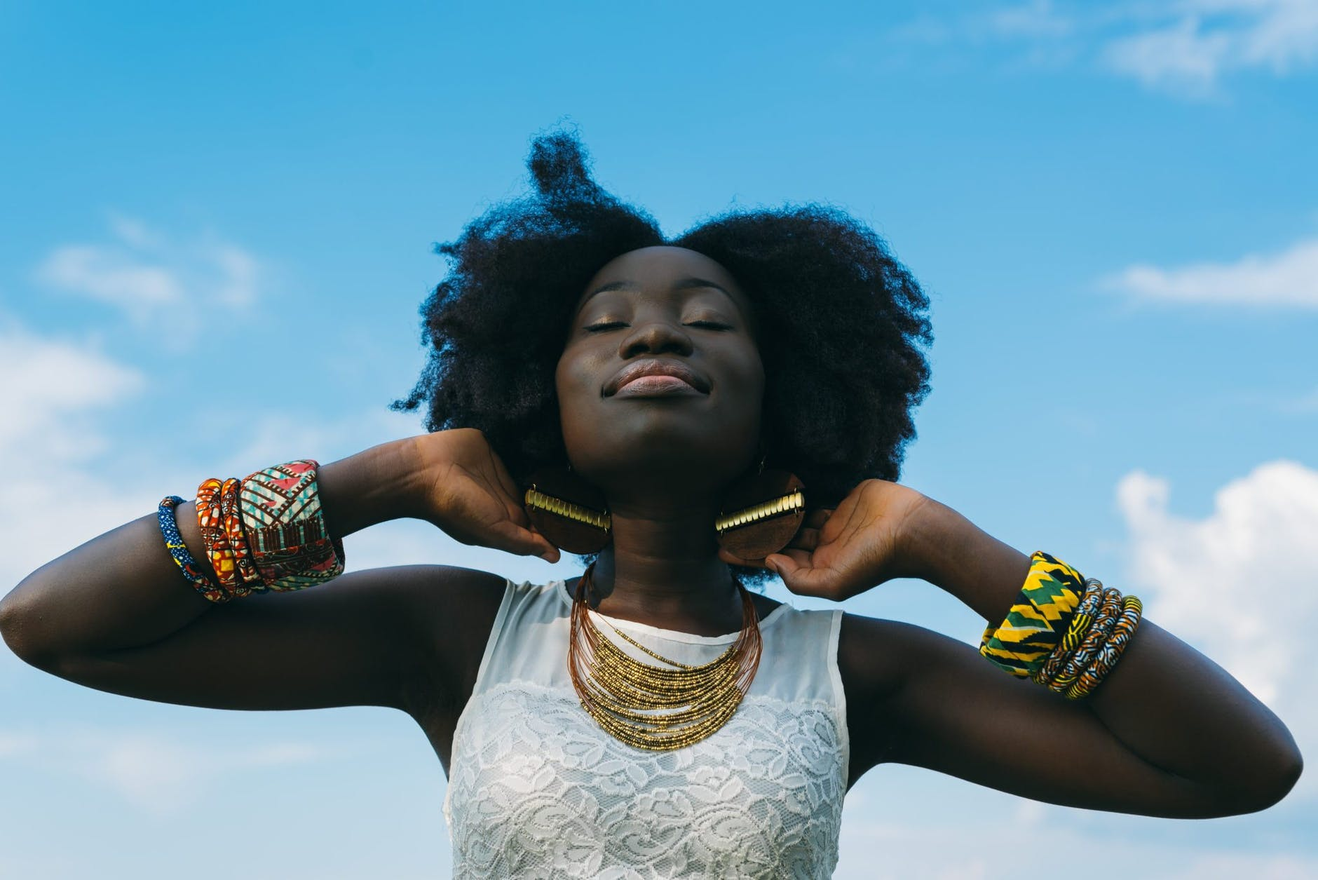 Quelles marques africaines choisir pour décorer, s'habiller ou entretenir vos cheveux avec soin ?